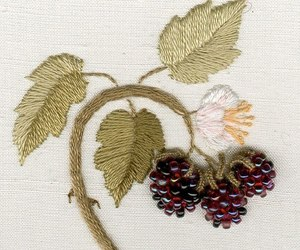beads, berry, and sew image
