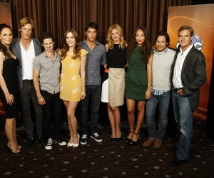 revenge, connor paolo, and emily vancamp image