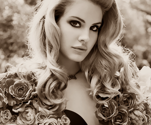 lana del rey and blonde image