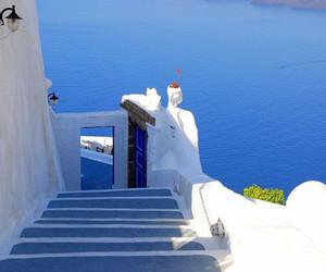 azul, escada, and mar image