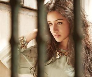 beauty, shraddha kapoor, and bollywood image