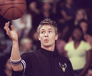lucas scott, basket, and chad michael murray image