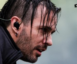 concert, live, and papa roach image