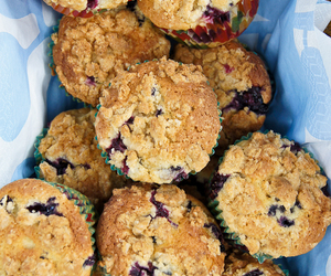 blueberry, muffins, and streusel image