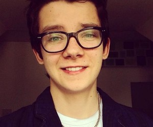 asa butterfield and cute image