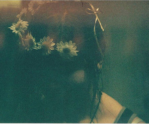vintage, girl, and flowers image