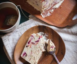 Cinnamon, crumble, and oats image