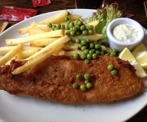crispy, fish and chips, and food image