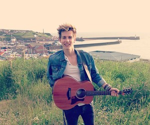 the vamps, james mcvey, and guitar image