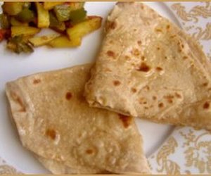 curry, indian food, and chappati image