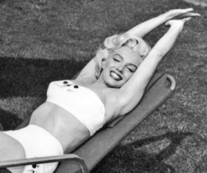 black and white, girl, and Marilyn Monroe image