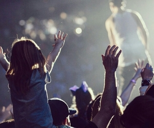 justin bieber, beliebers, and believe tour image