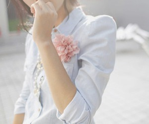 fashion, girl, and flower image