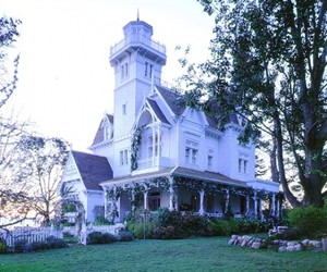 house and Practical Magic image