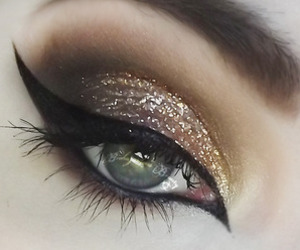 eyeliner and make up image