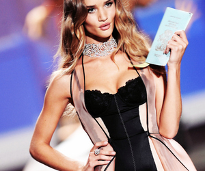 beautiful, Hot, and rosie huntington-whiteley image