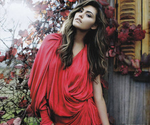 phoebe tonkin, red, and dress image