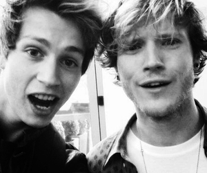 dougie poynter, the vamps, and McFly image