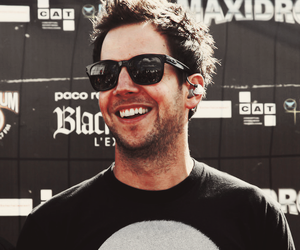 pierre bouvier and simple plan image