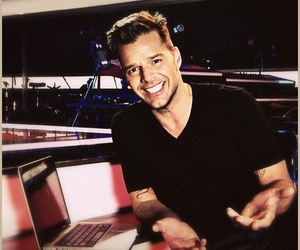the voice, ricky martin, and rm image