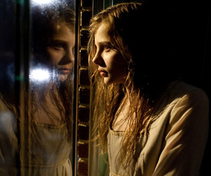 chloe moretz and let me in image