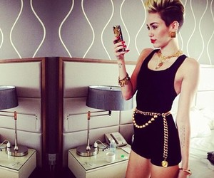miley cyrus, miley, and instagram image