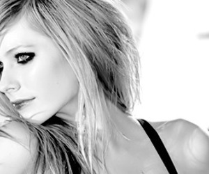 Avril Lavigne, blonde, and Hot image