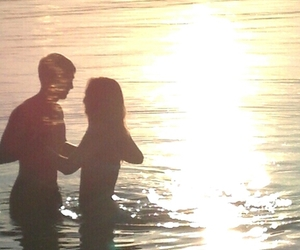 love, couple, and sun image