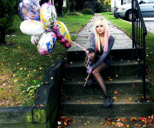 ballons, jamy lynn, and blond with pink hair image
