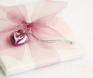 pink, heart, and gift image