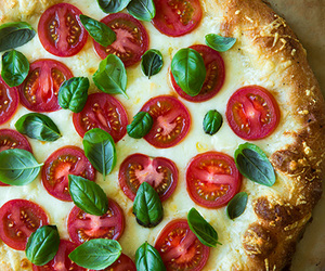 cheese, pizza, and caprese image