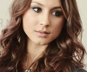troian bellisario, pretty little liars, and spencer hastings image