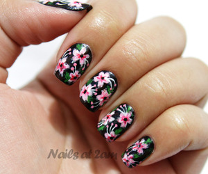nails art and flowers nails image