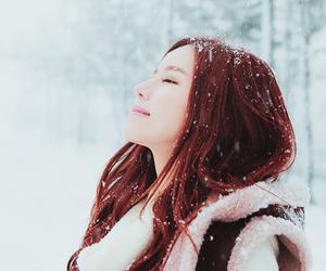 girl, ulzzang, and snow image