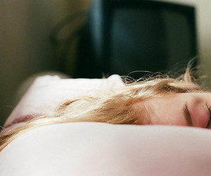 girl, vintage, and sleep image