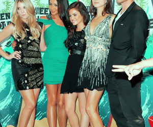 pretty little liars, girl, and Hot image