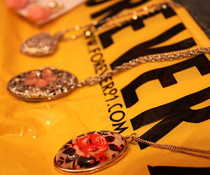 necklace and forever 21 image