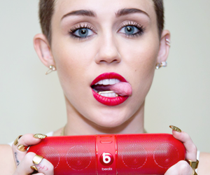 miley cyrus, we can't stop, and beats image