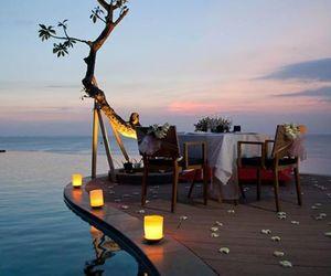 romantic, sea, and dinner image