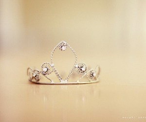 beautiful, crown, and ring image
