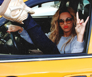 beyoncé, taxi, and Queen image