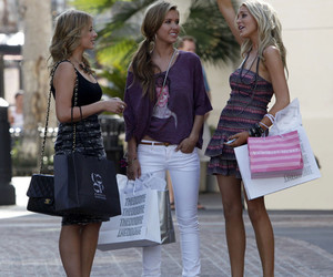 lo bosworth, shopping, and the hills image