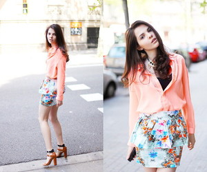 blouse, flowers, and girl image