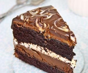 cake, buttercream, and chocolate image