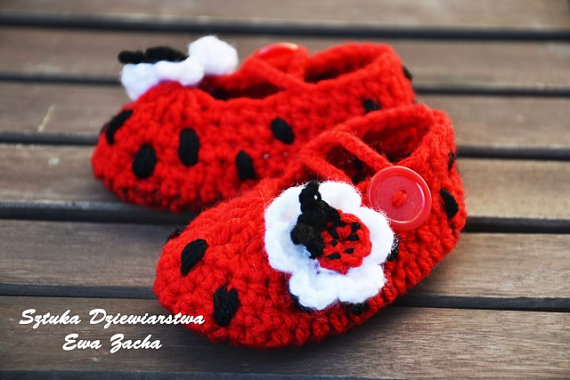 ladybird baby shoes red crochet baby shoes baby booties by