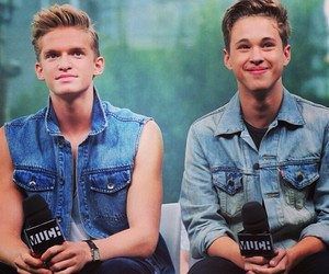 cody simpson and ryan beatty image