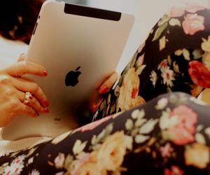 ipad, apple, and flowers image