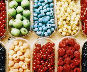 apples, beautiful, and blueberry image
