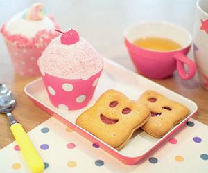 cupcake, pink, and food image
