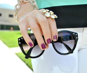 sunglasses and nails image
